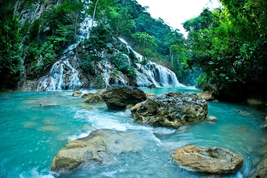 Air Terjun Lapopu, salah satu keindahan alam yang terdapat di dekat resor.