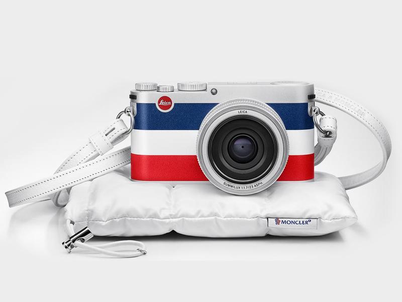 Leica X Moncler dijual satu paket dengan tali kulit dan casing.