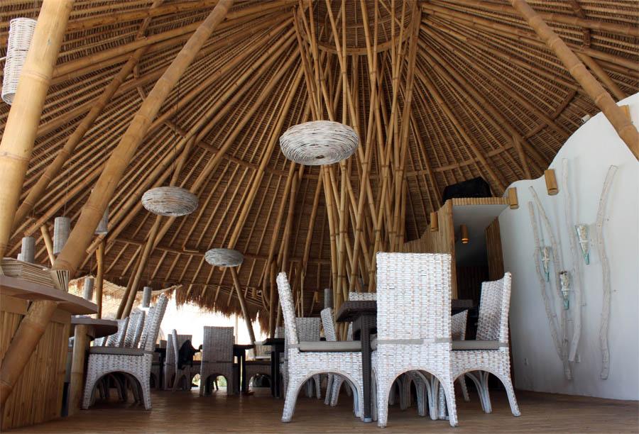 Karma Beach Club dengan materi utama bambu.