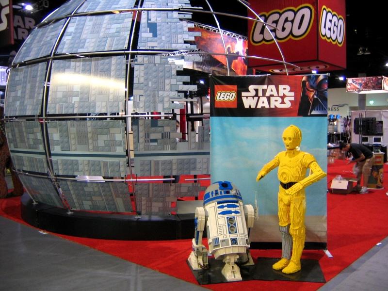 Wahana baru ini akan menampilkan bermacam pernak-pernik film Star Wars.