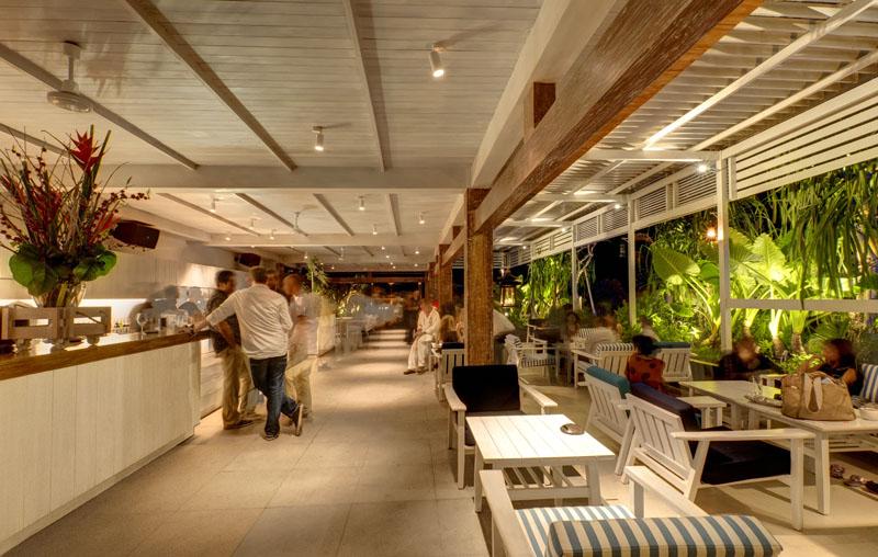 Area lounge bar di Mozaic Beachclub.