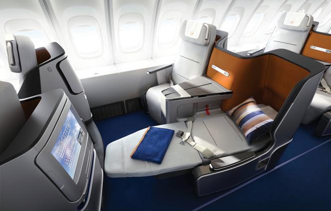 Selain kelas bisnis, untuk kabin premium penerbangan Jakarta-Frankfurt, Lufthansa juga hadirkan kabin first class.