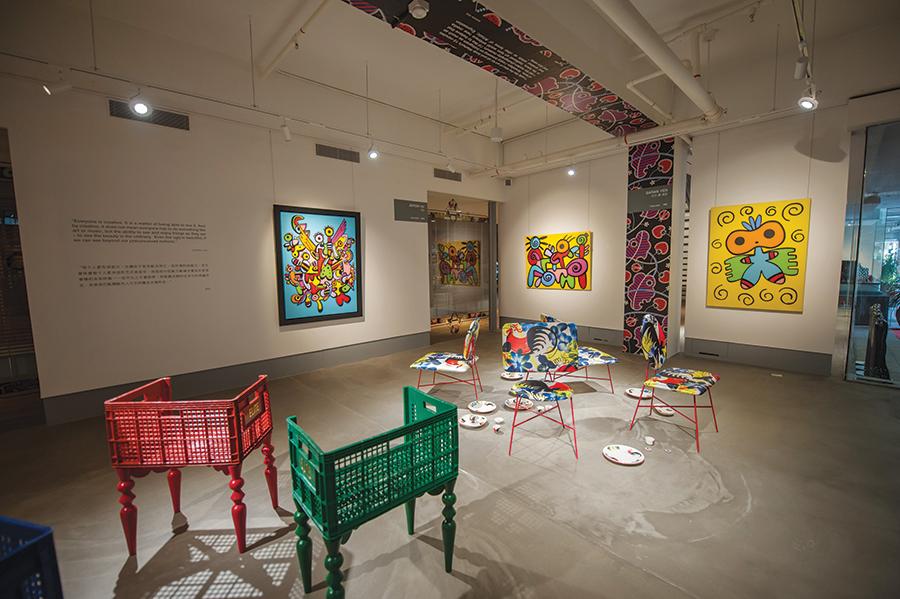 Puluhan karya 18 seniman memenuhi bangunan baru MAD yang memiliki luas 1.800 meter persegi.