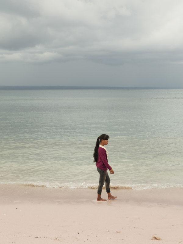 Minim turis mancanegara, Pantai Tangsi ramai oleh turis domestik terutama turis lokal.