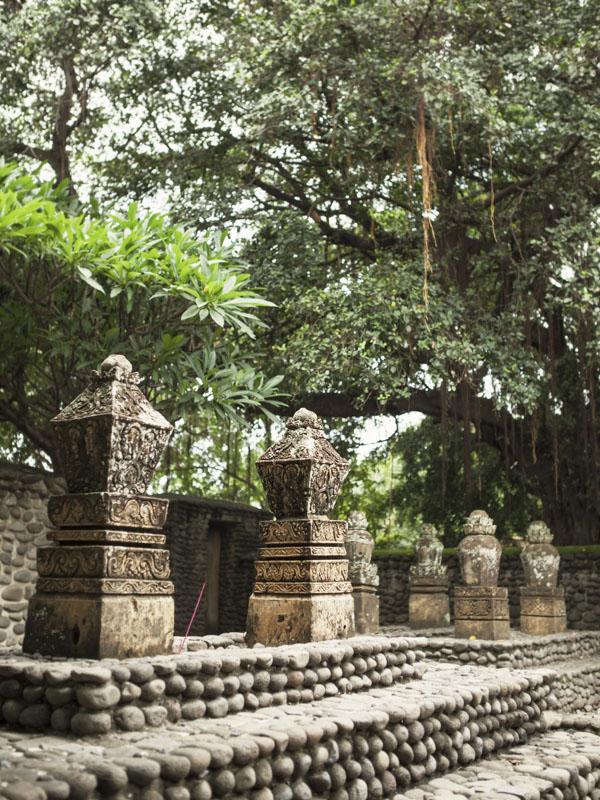 Kuburan Selaparang di Lombok Timur.