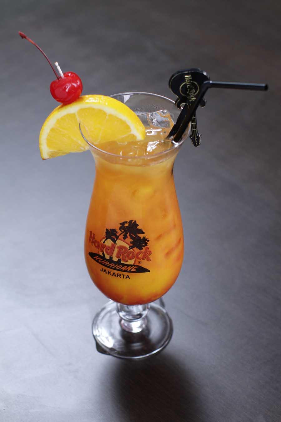 Koktail Hurricane yang merupakan minuman khas Hard Rock Cafe.