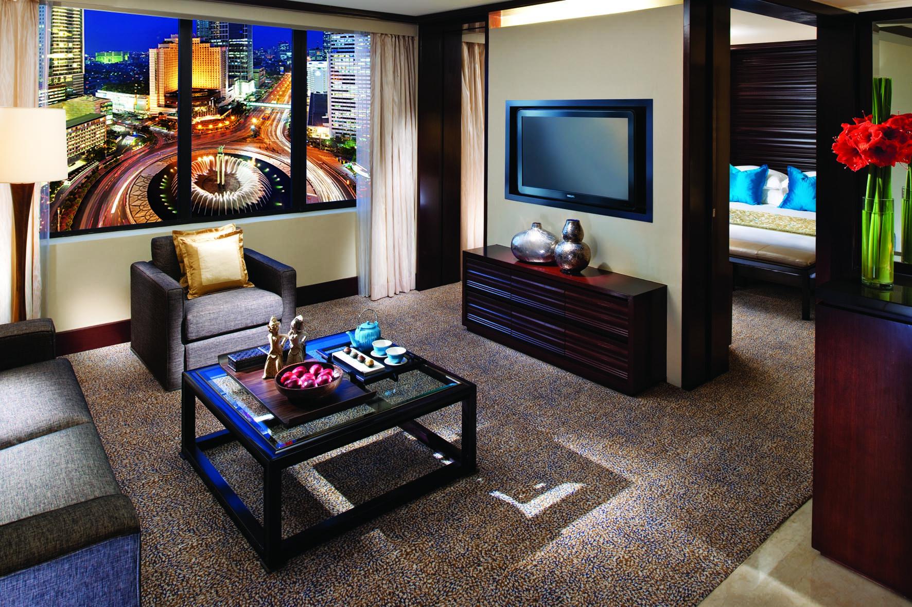Akomodasi Urban Escape dengan kamar menghadap Bundaran Hotel Indonesia.