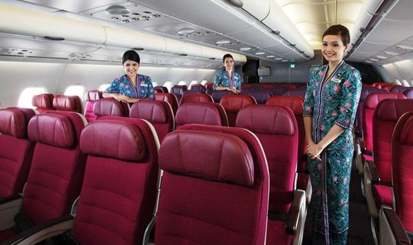 Selain kelas ekonomi, tersedia juga kelas bisnis untuk penerbangan ini.