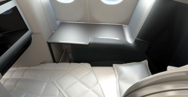 Kursi bisa disulap menjadi tempat tidur nyaman.