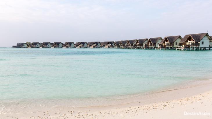 Kamar-kamar di Four Seasons Maldives Landaa Giraavaru.