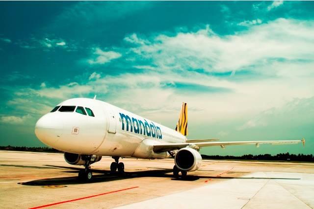 Meskipun logo mengalami perubahan, Tigerair Mandala tetap mempertahankan cat pesawat seperti yang dipakai saat ini.