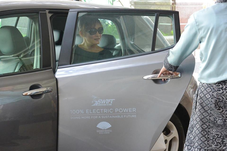 Mobil listrik di Mandarin Oriental Kuala Lumpur bisa digunakan untuk mengantar tamu ke sejumlah obyek wisata.