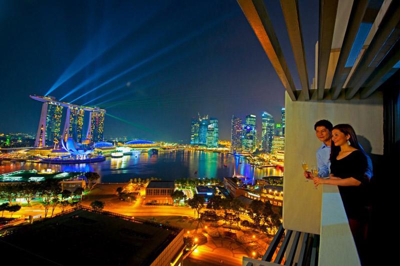 Pemandangan dari balkon Marina Mandarin Singapura.