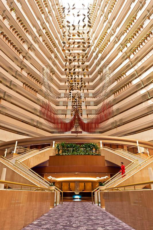 Lobi Hotel Marina Mandarin.