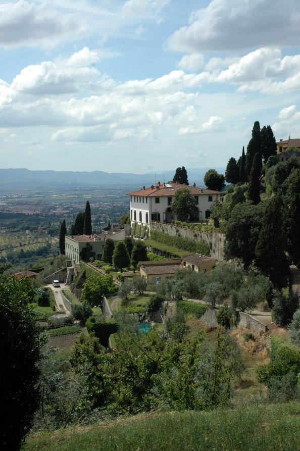 Vila dan taman Medici di Tuscany, Italia.