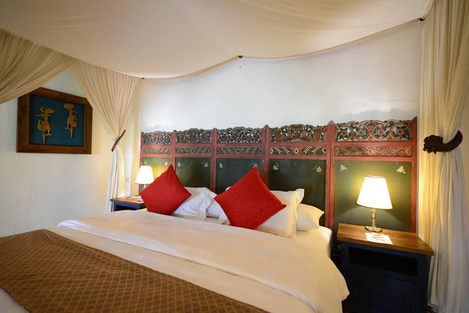 Tiap kamarnya mengusung desain tradisional Jawa.