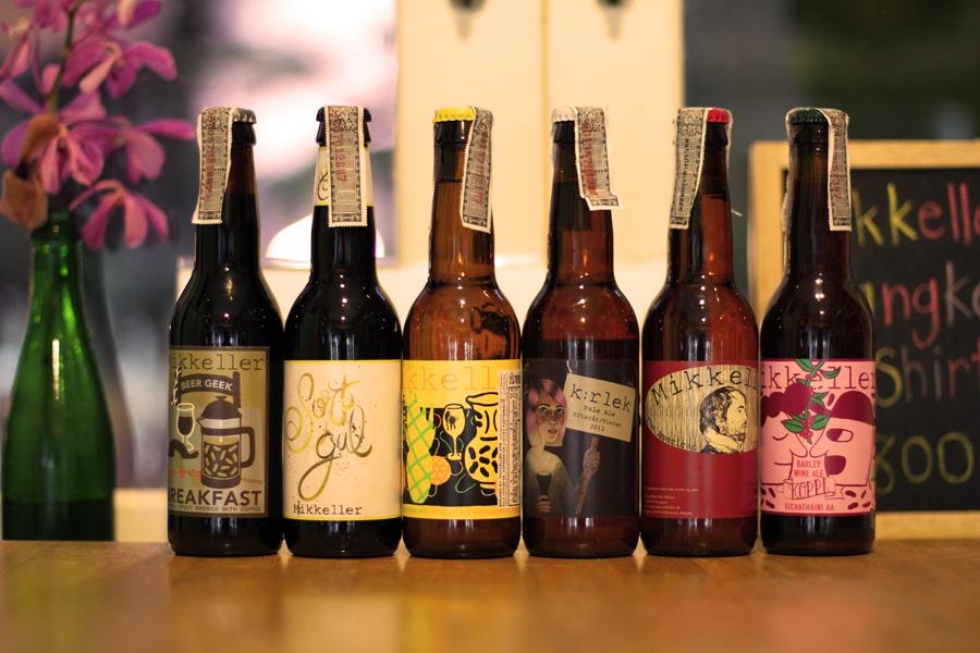 Pilihan bir di Mikkeller Bangkok.