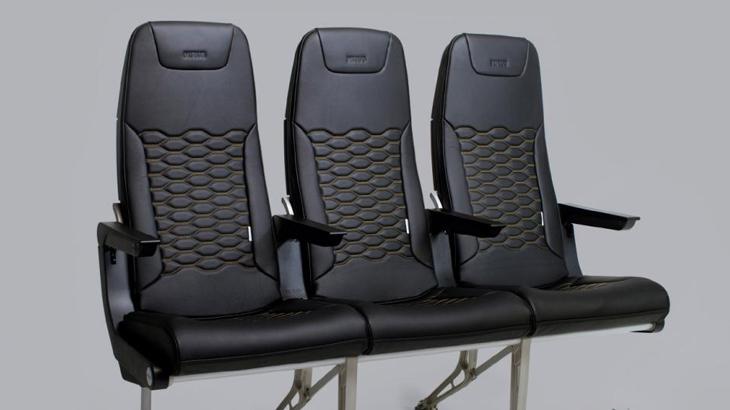 Hawk, kursi dengan desain ramping dan berbobot ringan.