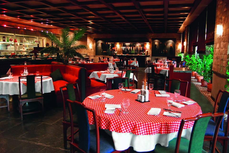 La Mamma, restoran Italia di Movenpick Karachi.