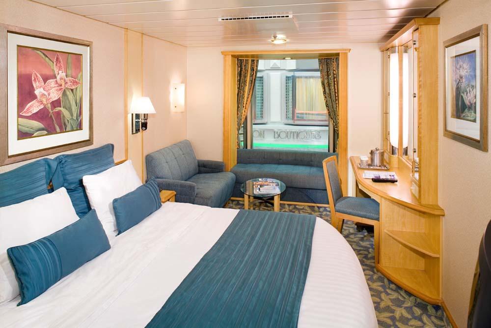 Salah satu kamar di kapal Navigator of the Seas.