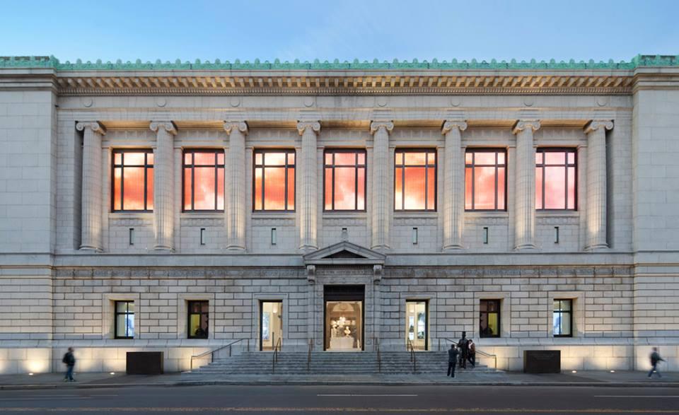 Fasad New York Historical Society di New York City.
