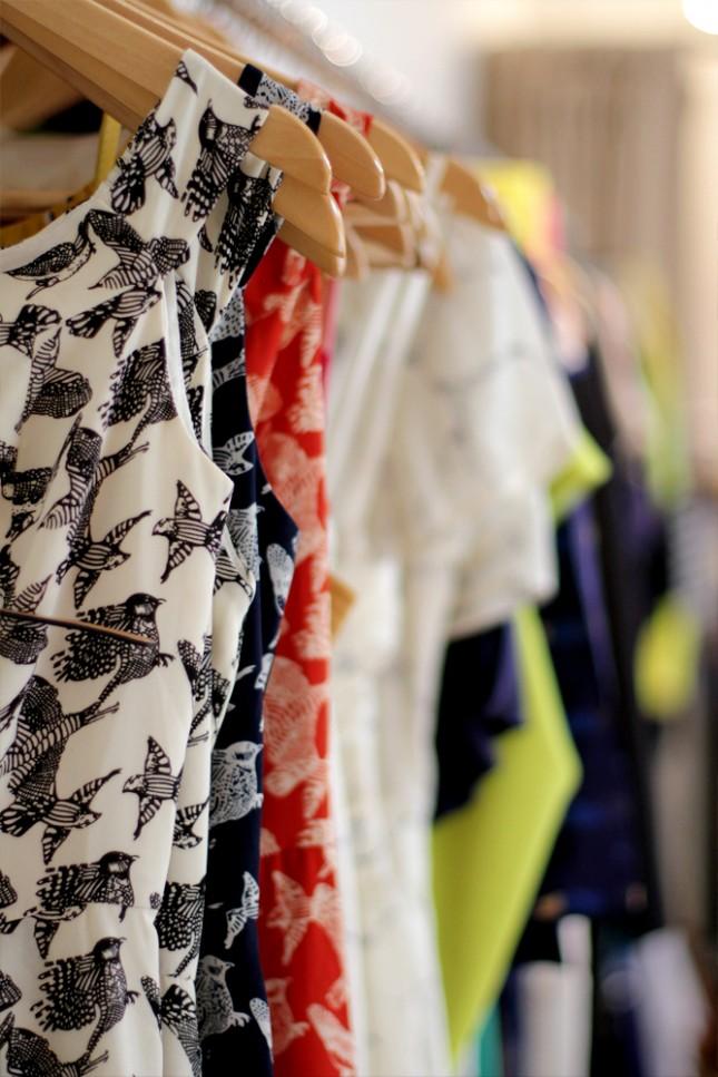 Pakaian-pakaian chic di Nana & Bird.