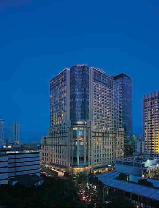 Fasad Hotel New World Manila Bay.