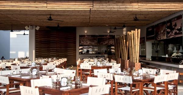 Area restoran di Nikki Beach Phuket.