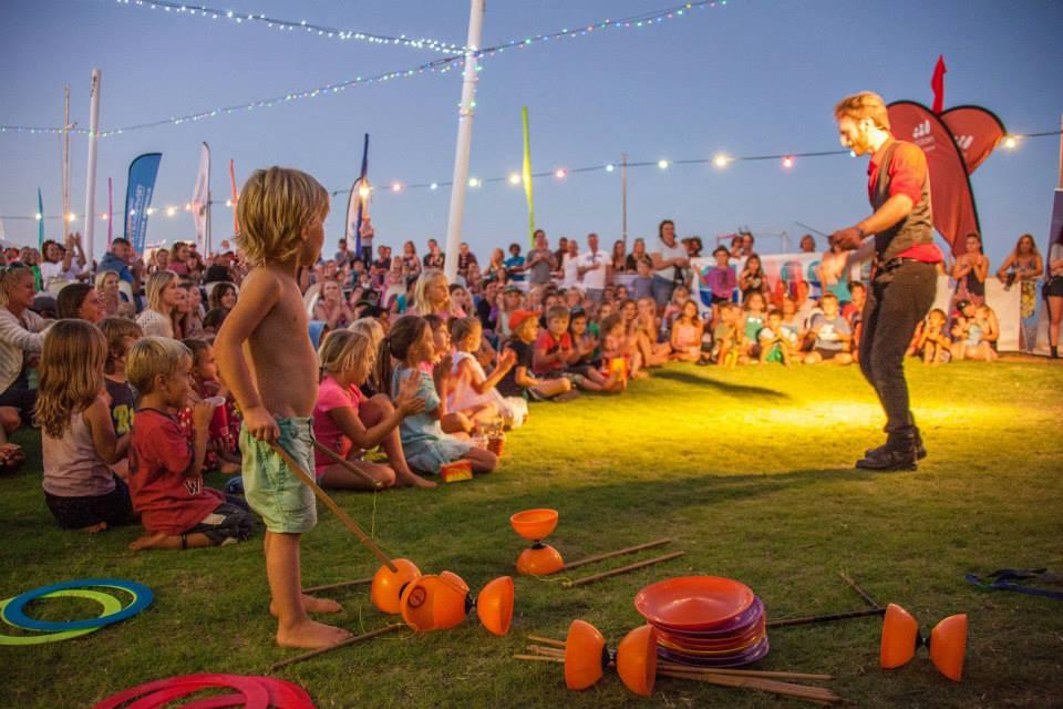 Aktivitas untuk anak-anak dan remaja bersifat edukasi lebih mendominasi festival tahunan ini. (Foto: Ningaloo Whaleshark Festival Inc.)