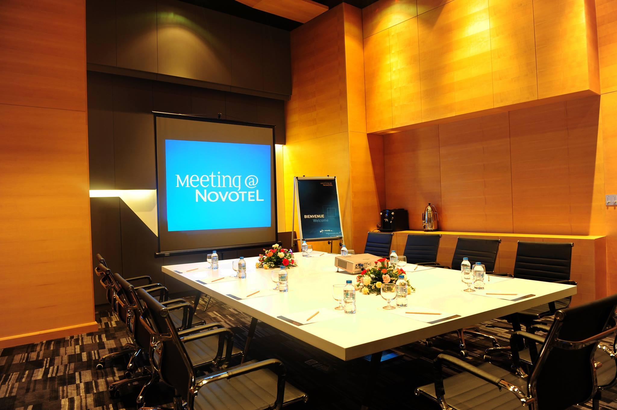 Salah satu ruang rapat di Novotel Danang Premier Han River.