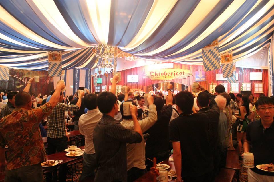 Suasana Oktoberfest di Hotel Aryaduta Jakarta.