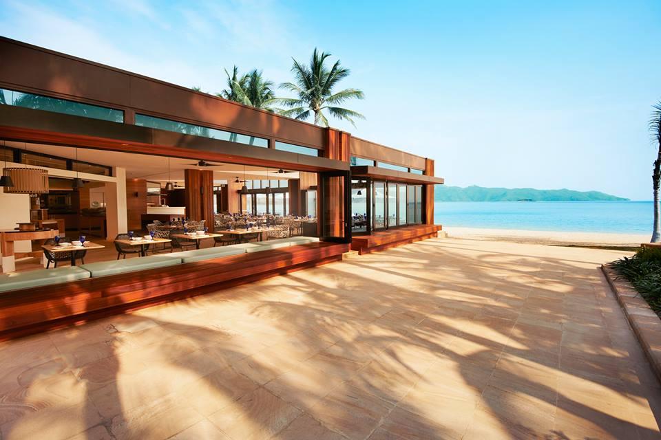 Pacific, restoran baru yang terletak di bibir pantai.