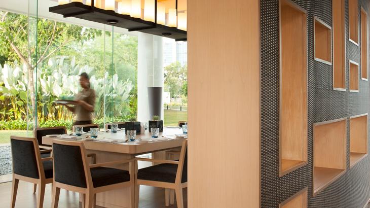 Sesi makan ini digelar saban Minggu di OPEN} Restaurant.