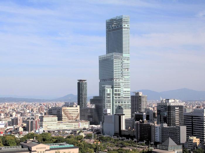Abeno Harukas, gedung tertinggi di Jepang yang menjadi tempat bernaung Marriott Miyako Osaka.