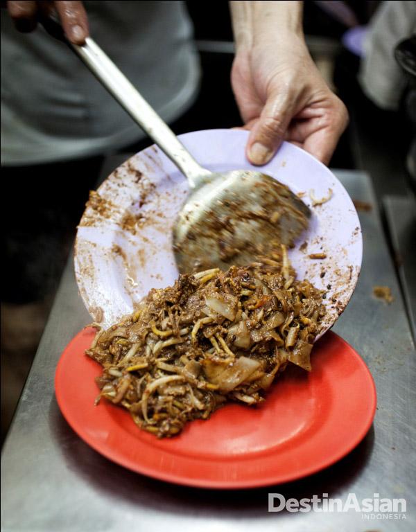 Kway teow bercita rasa khas di Outram Park.