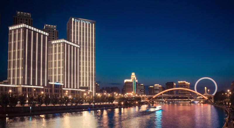 Fasad Pan Pacific Tianjin yang terintegrasi dengan The Esplanade.