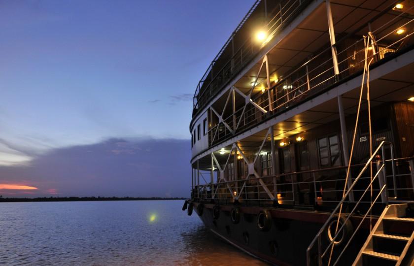 Pesiar di Laos akan menggunakan perahu terbaru mereka.