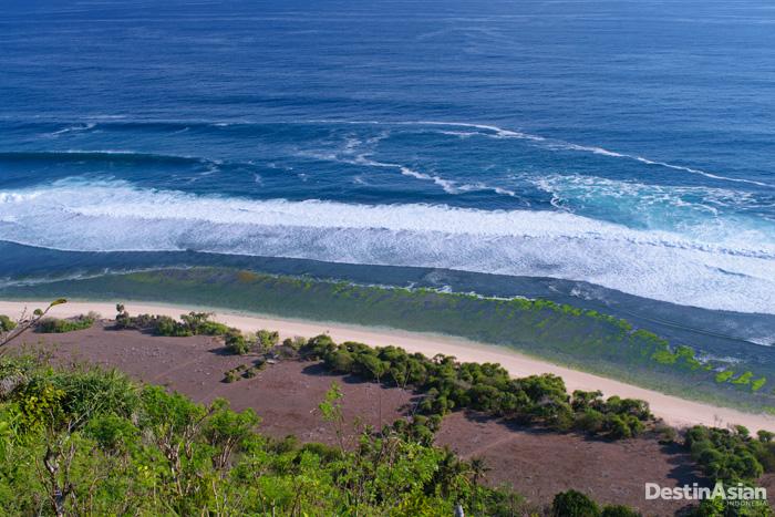 Pantai Nunggalan yang terletak di kawasan Uluwatu.