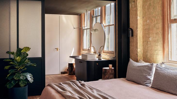 Paramount House Hotel, Sydney 01