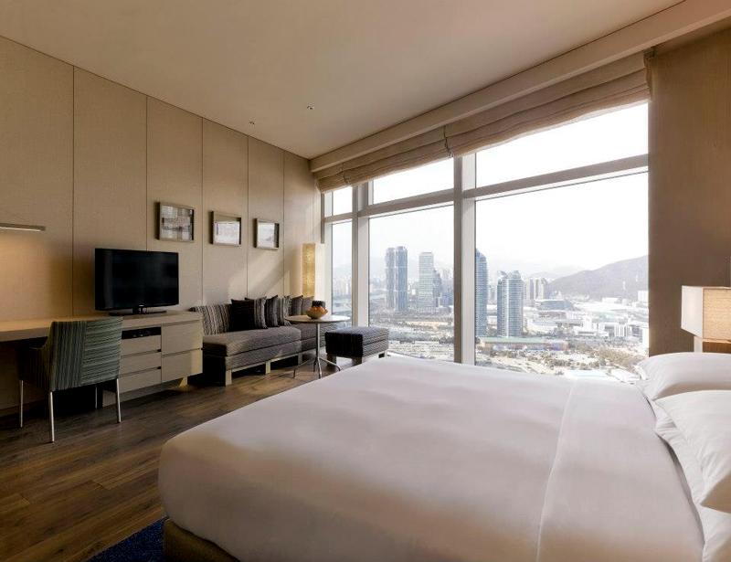 Kamar tipe Park Room. Diklaim sebagai yang terluas dan termodern di Busan.