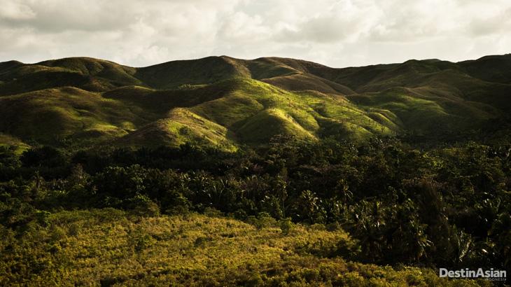 Pemandangan perbukitan di Pulau Buru.