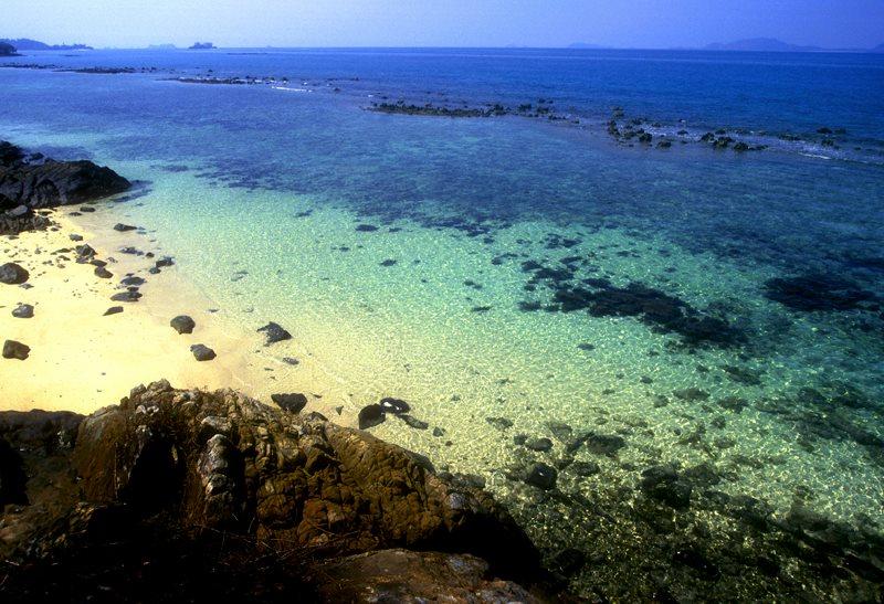 Pulau Tinggi, salah satu obyek wisata yang bisa diakses dari Johor Bahru. (Foto: Dept. Pariwisata Johor Bahru)