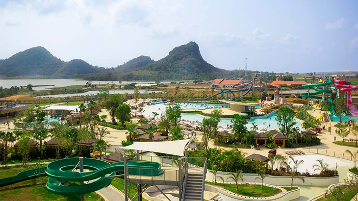 RamaYana Water Park berdiri di atas lahan seluas 16 hektare.