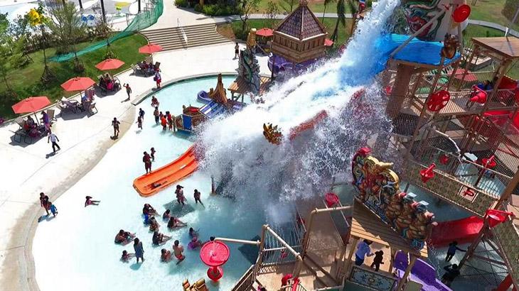 Terdapat dua zona khusus anak-anak di RamaYana Water Park.