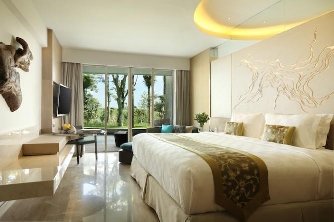 Masing-masing kamar di Rimba Jimbaran dilengkapi dengan balkon atau teras privat.