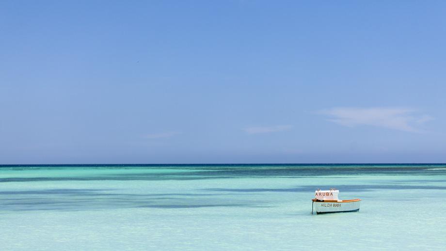 Pemandangan dari halaman belakang The Ritz-Carlton, Aruba.