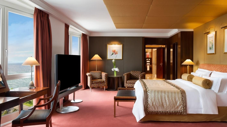 Royal Penthouse Suite 2
