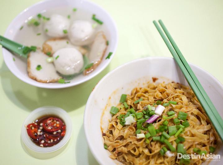 Ru Ji Kitchen, bakso ikannya merupakan buatan tangan.