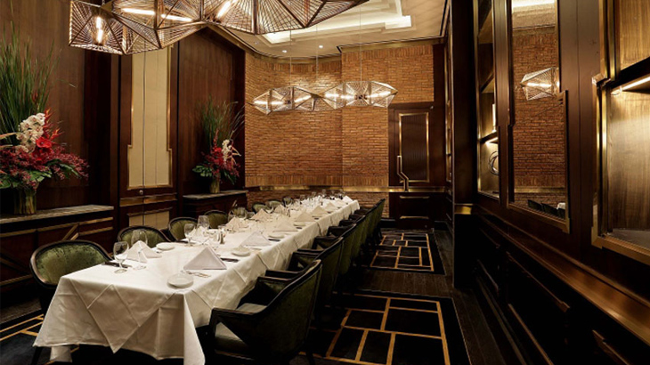 Interior Ruth's Chris Steak House Jakarta.