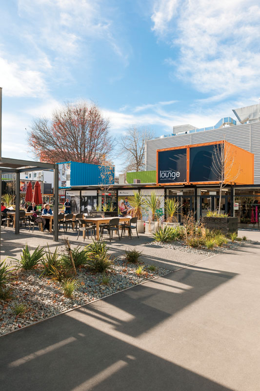 Mal bergaya pop-up yang dibuat dari kargo telah memutar roda bisnis di Christchurch.